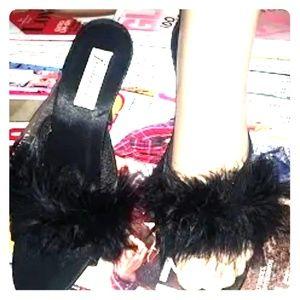 Fredricks of Hollywood mirabeau feather heels